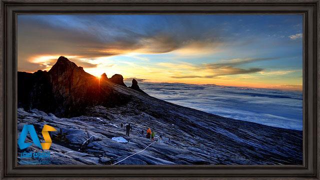 کوهنوردان در کوه کینابالو مالزی
