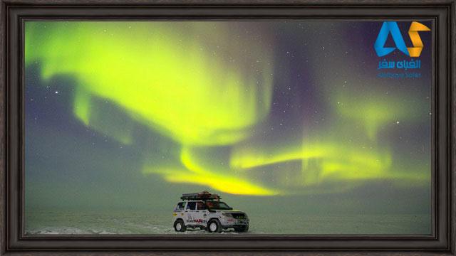 شفق قطبي روسيه و خودروي گردشگران در برف