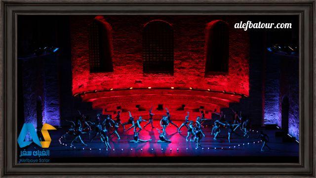 اجرای رقص در فستیوال موسیقی استانبول