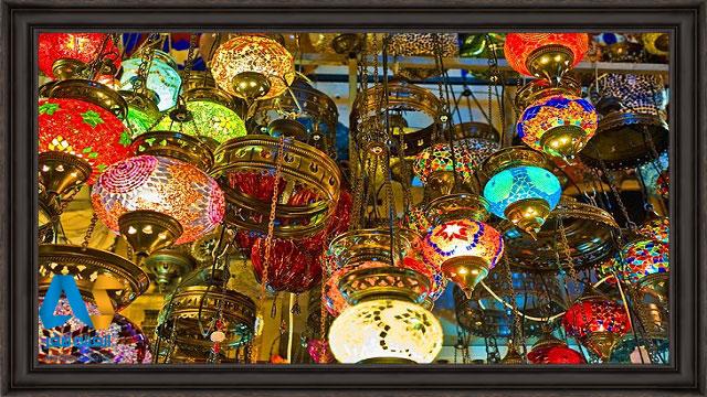 چراغ های آویزان شده در بازار بزرگ استانبول